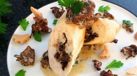 cuisiner foie de volaille ballottine de volaille au foie gras et aux girolles