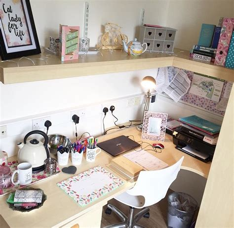 Decorating Blogs Uk - personalising your digs student