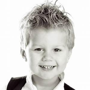 Coupe De Cheveux Pour Enfant : coupe garcon court ~ Dode.kayakingforconservation.com Idées de Décoration