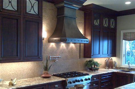 hoods     statement kitchen details