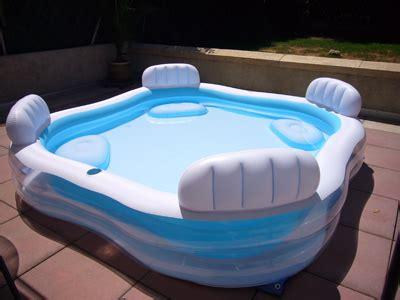 siege gonflable aménagement piscine gonflable avec siege