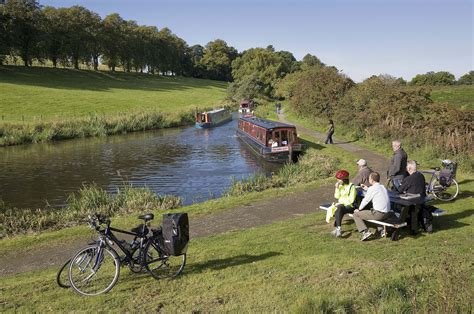 Fishing Boat Hire Edinburgh by Cycling Along The Union Canal Scottish Canals