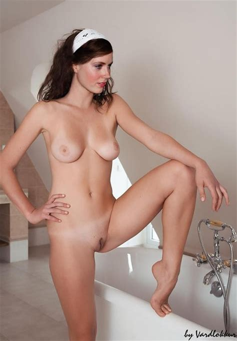 Amy Adams Nude Bathroom Fake