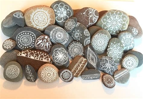 tumbled marble easy pet rock painting ideas