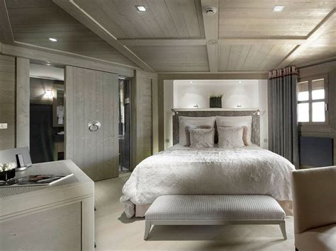 How To Choose Luxury Bedroom Wardrobe