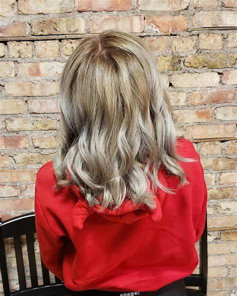 50 Cute Layered Hairstyles with Bangs for 2021