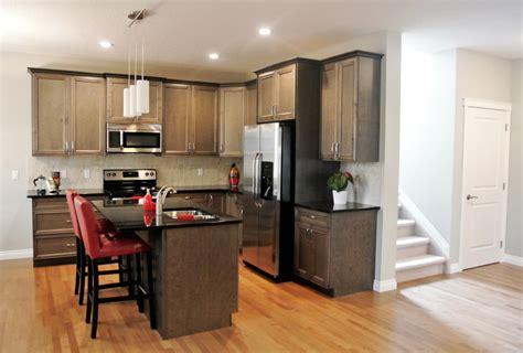 frigo americain dans cuisine equipee pretty cuisine avec frigo américain images gt gt emejing