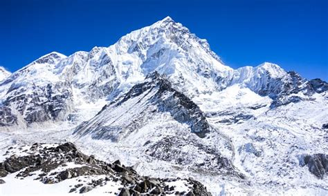 Mount Everest Had Its Highest Death Toll Ever In 2015 With