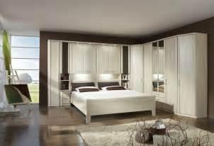 spiegelschrank schlafzimmer überbau schlafzimmer in goldahorn nb 3 trg spiegelschrank eckschrank bettbrücke
