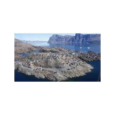 File:Salliaruseq-uummannaq-aerial.jpg