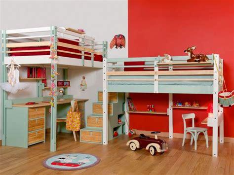 bureau pour deux enfants 2 enfants une chambre 8 solutions pour partager l 39 espace
