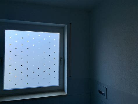Fenster Sichtschutzfolie Anbringen by Sichtschutzfolien F 252 R Fenster T 252 Ren Montage Wegaswerbung