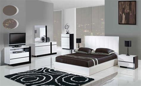 schlafzimmer wände ideen weiß schwarz schlafzimmer schwarz wei 223 44 einrichtungsideen mit