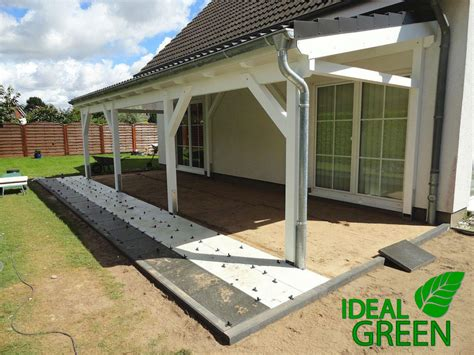 platten legen terrasse terrasse vordach pflasterarbeiten platten legen muster ideal green