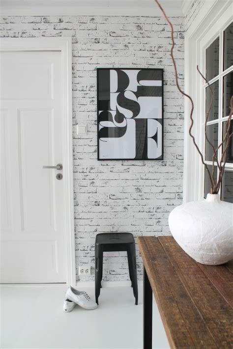 como decorar tu recibidor  papel de ladrillos blanco