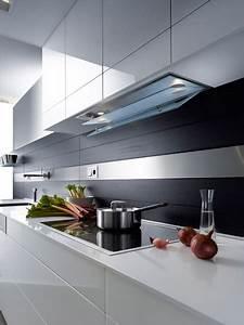 Hotte Sous Meuble : la hotte de gutmann pour les meubles hauts inspiration ~ Melissatoandfro.com Idées de Décoration