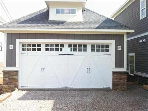 White Garage Doors by 126 Best Clopay Steel Carriage House Garage Doors Images