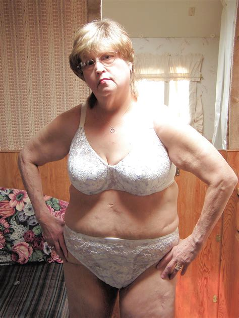 Mature Granny In Bras Porno Photo Comments 3