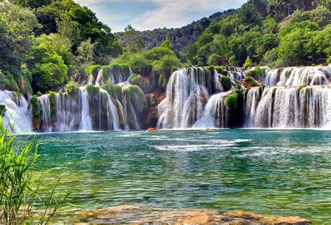 His photography website has a colourful slider gallery, showing only one or two photos at a time. Site touristique en Croatie : Les 5 destinations hors des ...