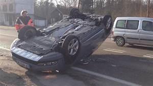 Accident De Voitures : accident de voiture tonneau youtube ~ Medecine-chirurgie-esthetiques.com Avis de Voitures