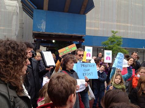 parents  occupy cobble hill school  city doesnt push
