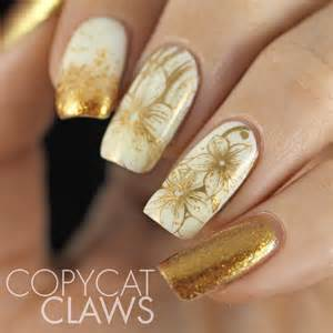Copycat claws sunday stamping white and gold nails