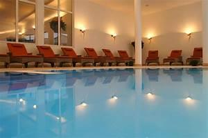 Pool Mit Gegenstromanlage : indoor pool mit au enbereich schwalldusche gegenstromanlage und ~ Eleganceandgraceweddings.com Haus und Dekorationen