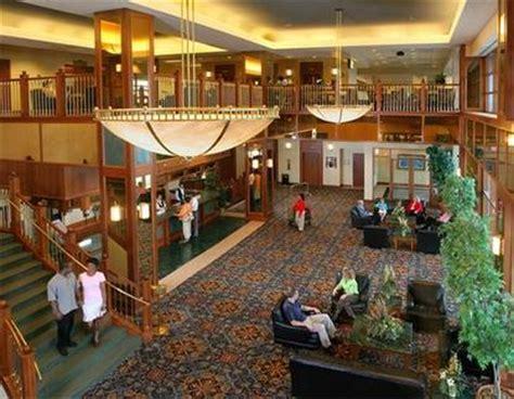 Evansville Indiana Casino Boat by Casino Aztar Evansville Deals See Hotel Photos