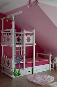 Kinderbett Unter Dachschräge : die besten 25 hochbett kinder dachschr ge ideen auf ~ Michelbontemps.com Haus und Dekorationen