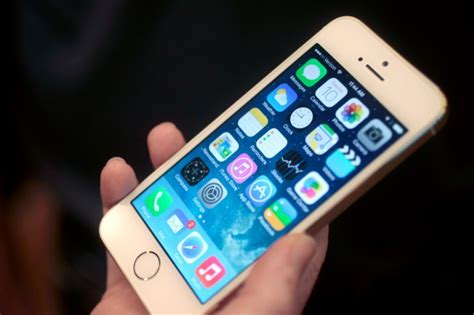 apple unveils new iphone 5s iphone 5s meet apple s new flagship phone