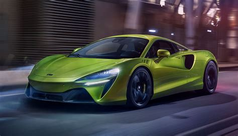 McLaren Artura Hybrid Supercar Gets 50 MPG and Is Blazing Fast