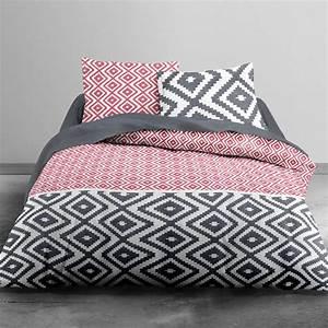 Parure Lit Adulte : parure de lit motifs g om triques linge de lit rouge kiabi 24 00 ~ Teatrodelosmanantiales.com Idées de Décoration