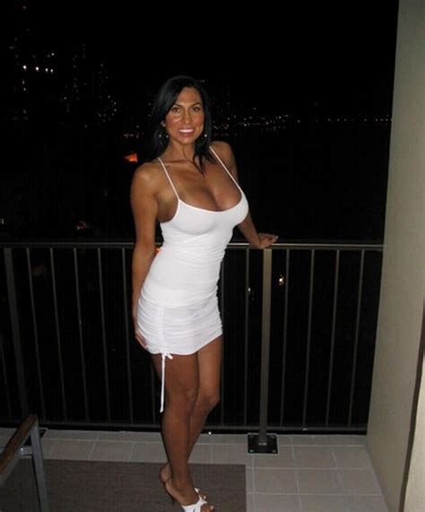 Cute Mature Amateur Milf In A White Dress Cutedressed
