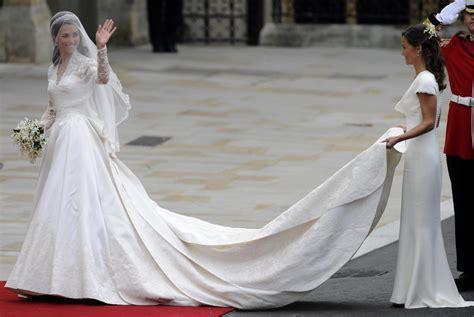 meghan markles wedding dress cost   kate