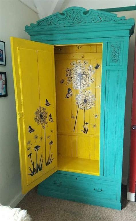 repeindre une chambre en 2 couleurs 1001 idées pour relooker une armoire ancienne