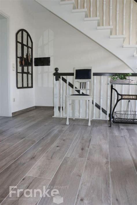 Einzigartig Graue Fliesen Wohnzimmer Bilder Wohnzimmer