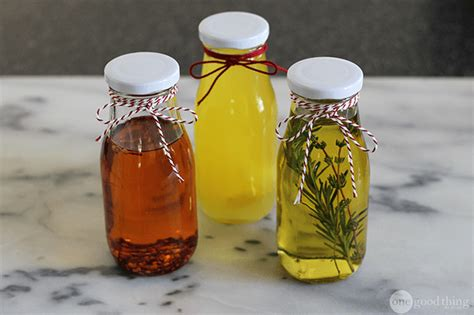 diy flavored cooking oils   homemade gift ideas