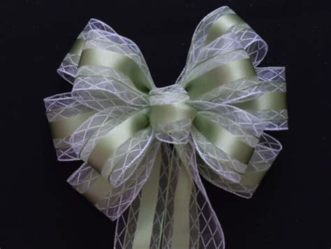 How to Make Modern Style Decorative Bows   DIY and Crafts