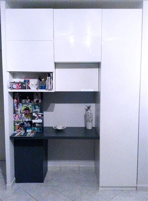 bureau à partager aménager entrée avec des placards intégrés