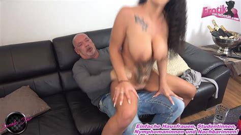 Ehemann erwischt betrügende Ehefrau