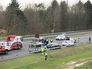 Accident Ile De France : en images accident meurtrier sur l 39 autoroute a4 en seine et marne le parisien ~ Medecine-chirurgie-esthetiques.com Avis de Voitures