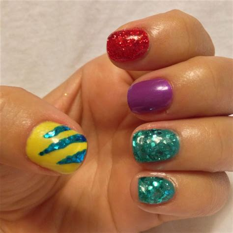 love  simplicity   disney nails
