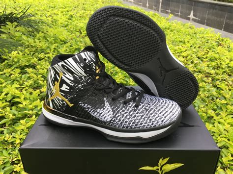 "Air Jordan Xxxi ""bhm"" Blackwhite Yellow Hoop Jordan"