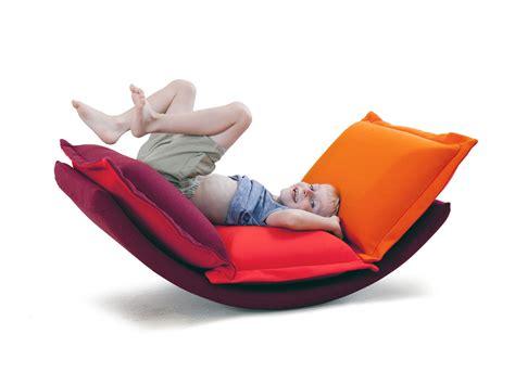 fauteuil a bascule chambre bebe fauteuil a bascule chambre bebe mini fauteuil bascule