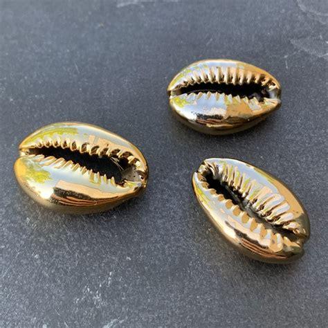 Cauri/Puka Shell for DIY jewelry creation - 16 to 23 mm ...