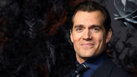 Henry Cavill Says He 'Would Love to' Be the Next James ...