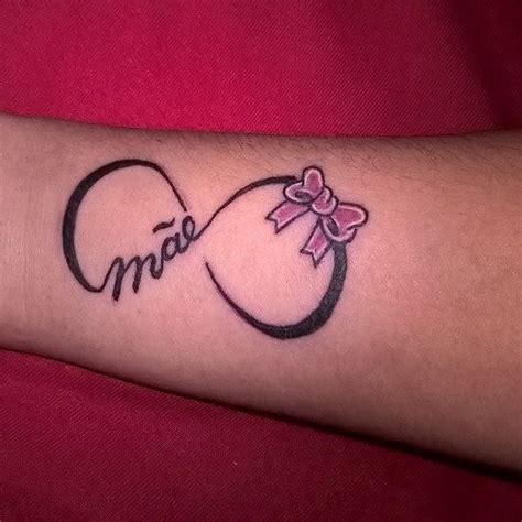 image tatouage  infini avec prenom tatouage