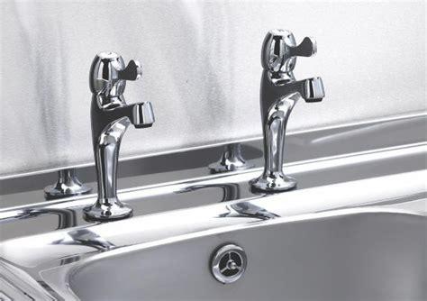 kitchen sinks and taps b q kitchen taps pillar mixer taps diy at b q 8581