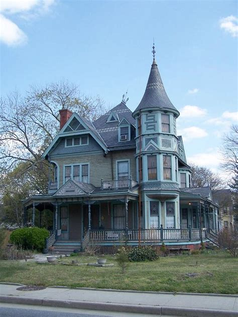 Cool Victorian Homes  Page 2