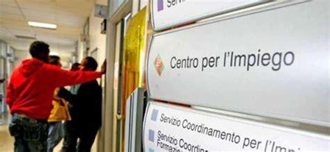 Ufficio Collocamento Roma Ostia - assistenzialismo senza creare lavoro tutti i rischi